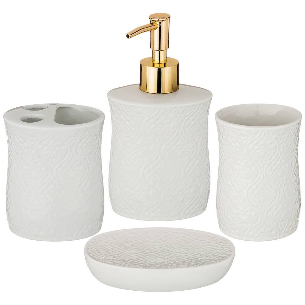 Наборы для ванной комнаты